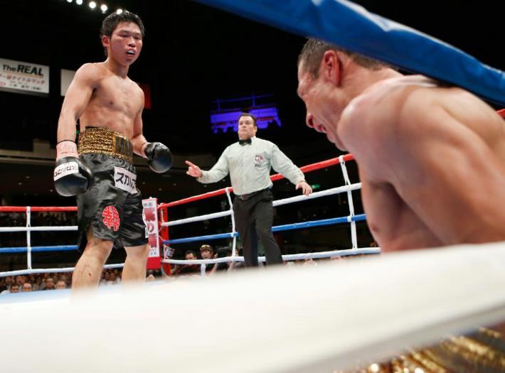 Takashi  fue superior a su rival mexicano en todo momento. (Foto: Sraboxing)