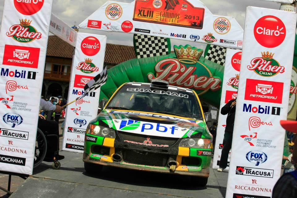 El carro de Ronmel Palomino fue primero en terminar la segunda etapa (Fuente: Automóvil club peruano).