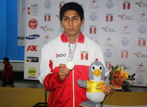 El peruano venció al venezolano Joffre Yasacama en el duelo final. (Elcomercio.pe)