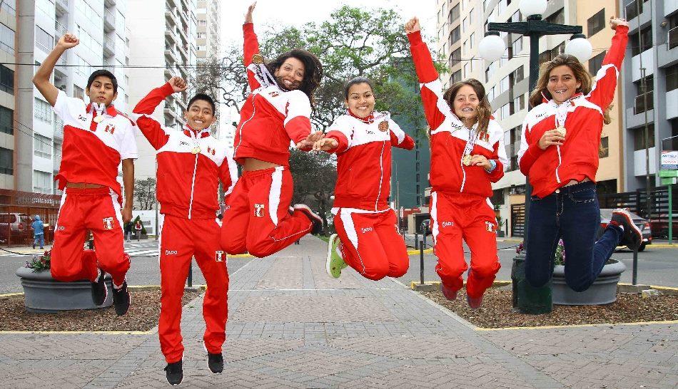 El equipo peruano celebró el balance final tras las olimpiadas juveniles. Foto: Prensa Odesur