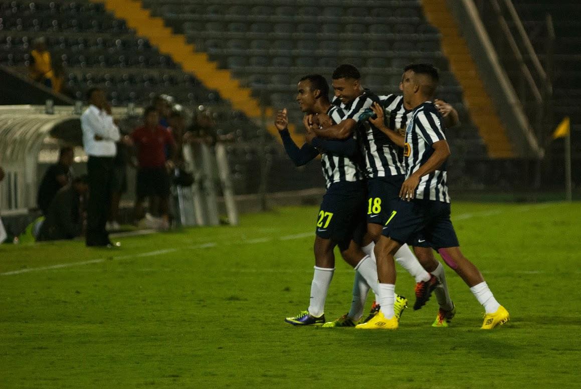 Con esta victoria, Alianza Lima lleva ocho meses sin perder de local  (Foto: César del Águila / Taller de Fotografía USMP / Aficionline.com).