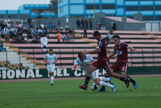 07 Falta contra Santiago Silva dentro del área. USMP UTC