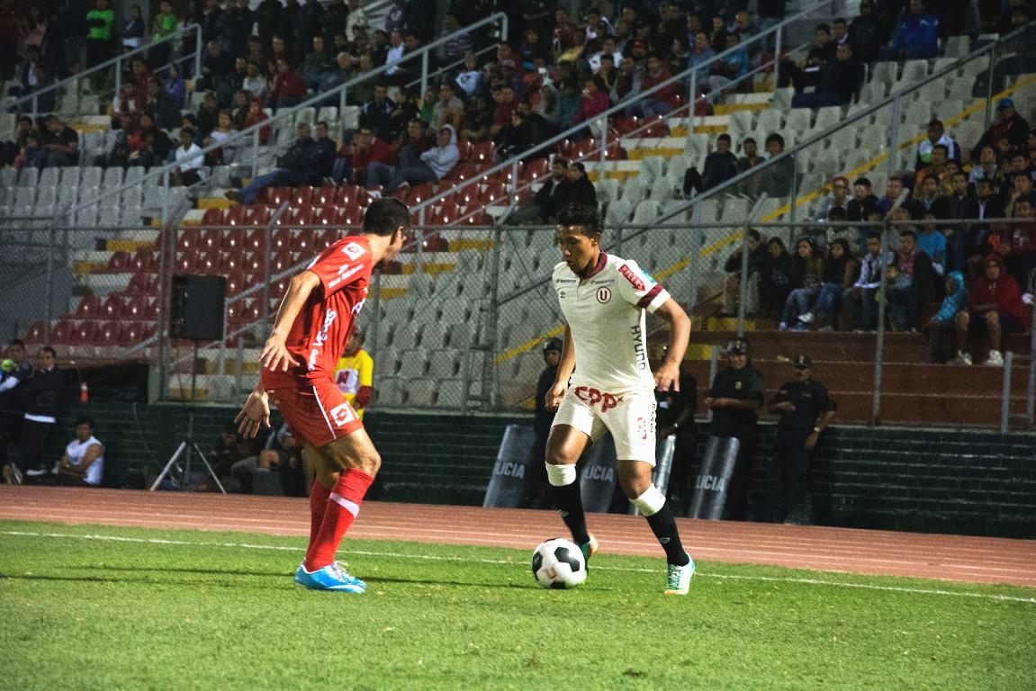 'Canchita' Gonzales se mostró preciso en los pases de gol, Ruidíaz fue testigo de ello en el Miguel Grau.