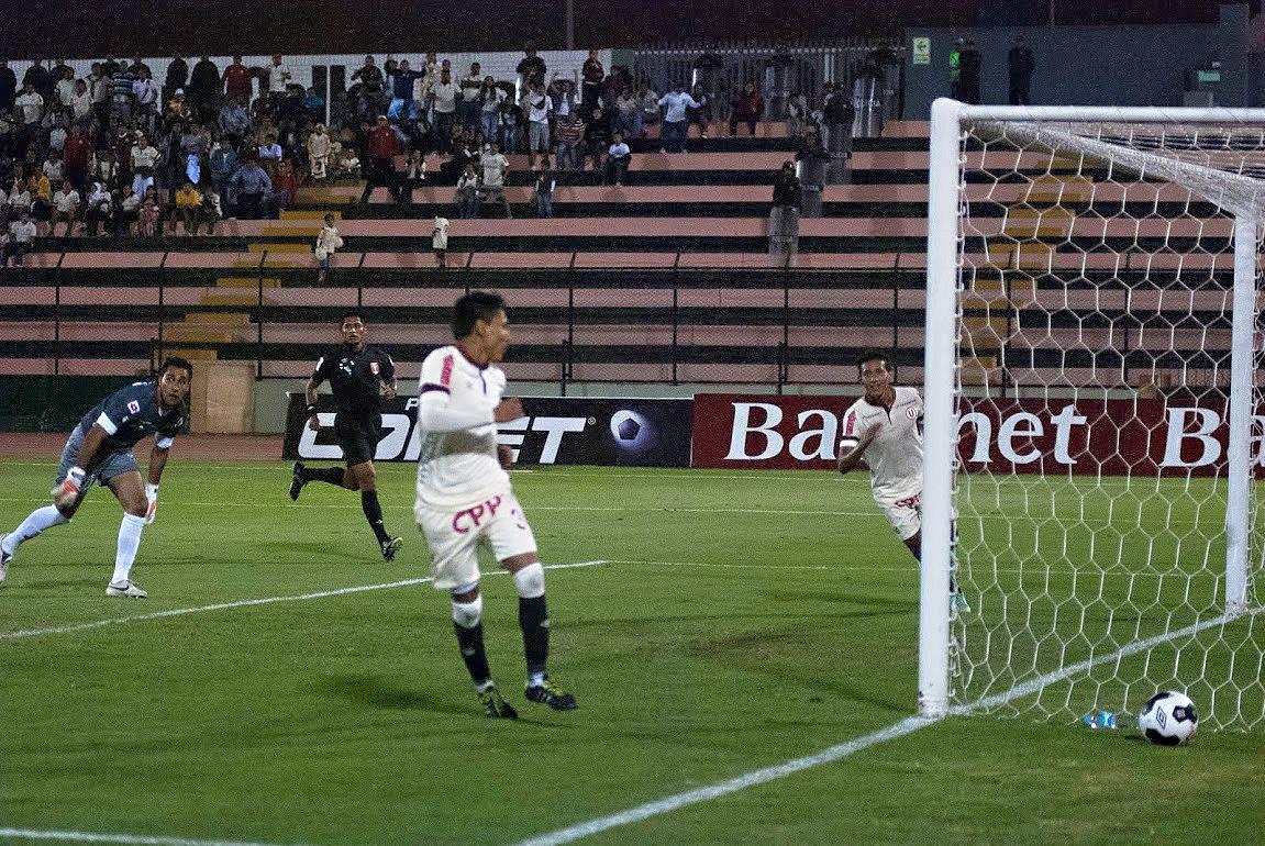 Ruidíaz  vuelve a aportar su cuota goleadora  a la 'U'  (Foto: César del Águila / Taller de Fotografía USMP / Aficionline.com).