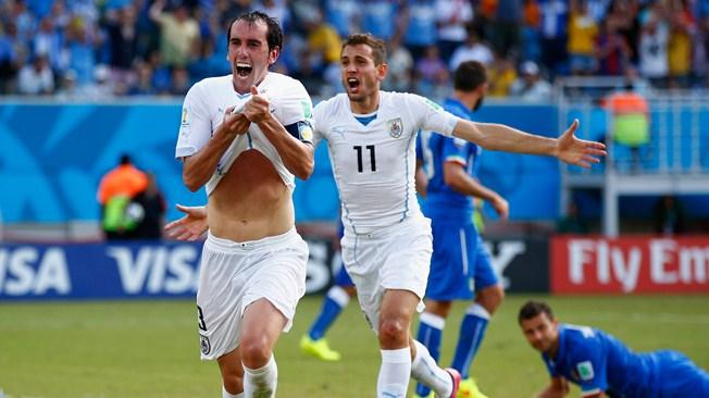 Godín fue el héroe de la tarde ante los italianos (Foto: FIFA.com).
