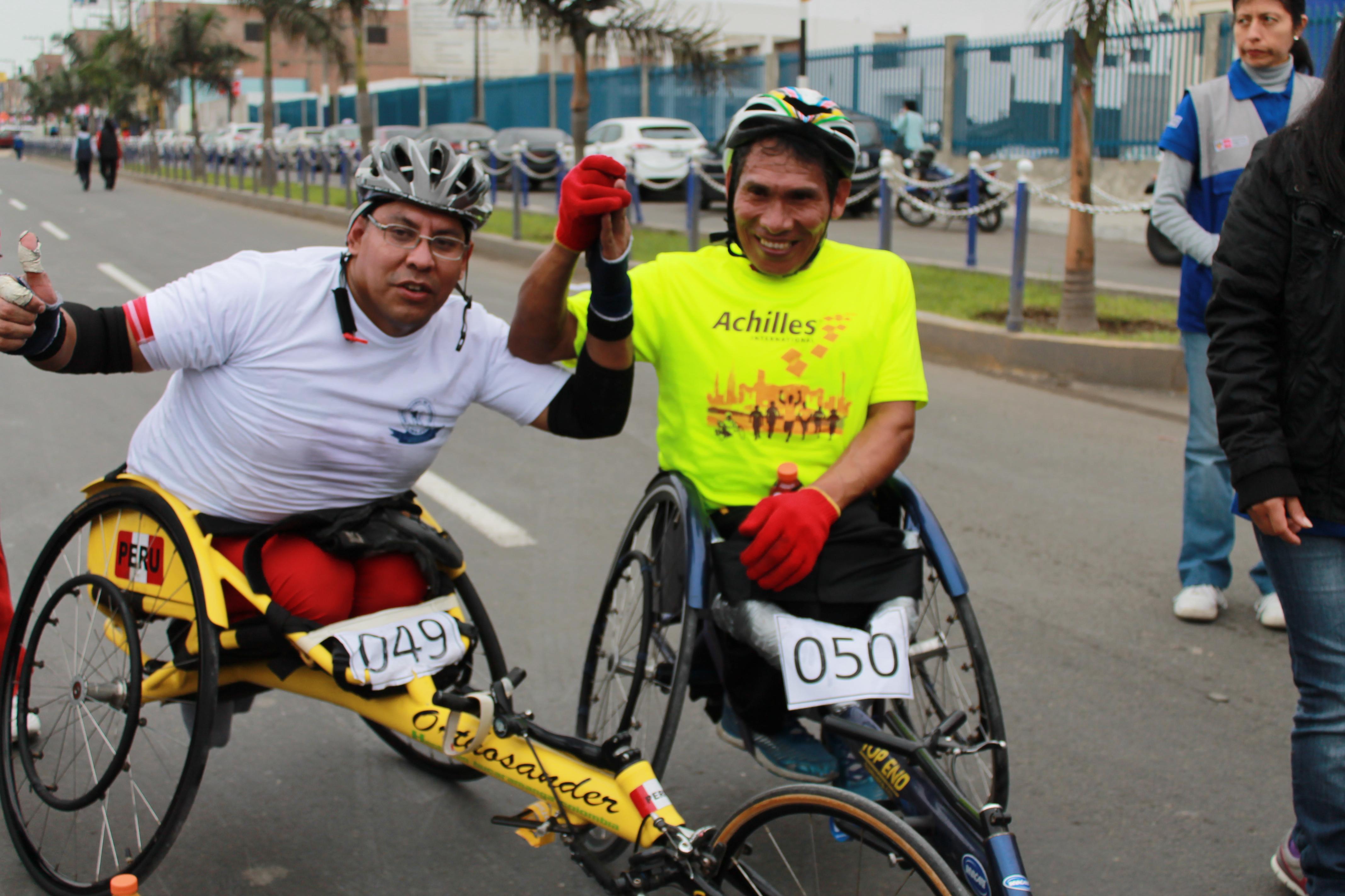 Los deportistas Carlos Benavente y Marcelo Roca  ganaron en su categoría (Foto: Sheilly Janampa / Aficionline.com).