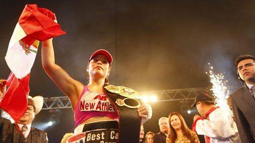 La boxeadora retuvo su cinturón luego de una decisión unánime de los jueces (Foto: Facebook de Linda Lecca).