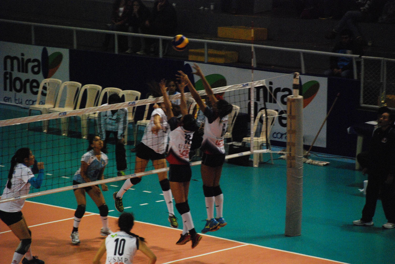 Leyva fue una de las mejores anotadoras del campeonato (Foto: Alejandra Quintos / Taller de Fotografía).