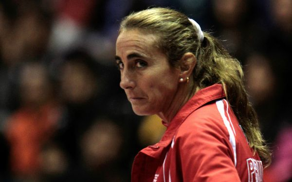 Natalia Málaga entrena al equipo de vóley de la Universidad César Vallejo desde 2012 (Foto: elcomercio.pe).