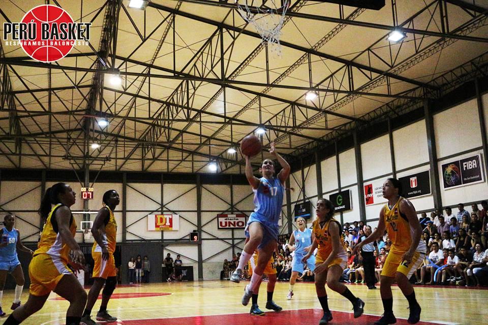 El trofeo deja San Isidro para irse a Chorrillos (Foto: Perú Basket).