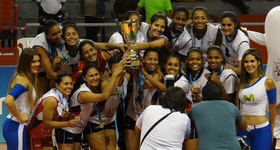 San Martín obtuvo su segundo título en la Liga Nacional de Vóley, en la temporada 2013-14 consiguieron su primera estrella tras vencer a Sporting Cristal. (Foto: Mariela Mamani / Aficionline.com)