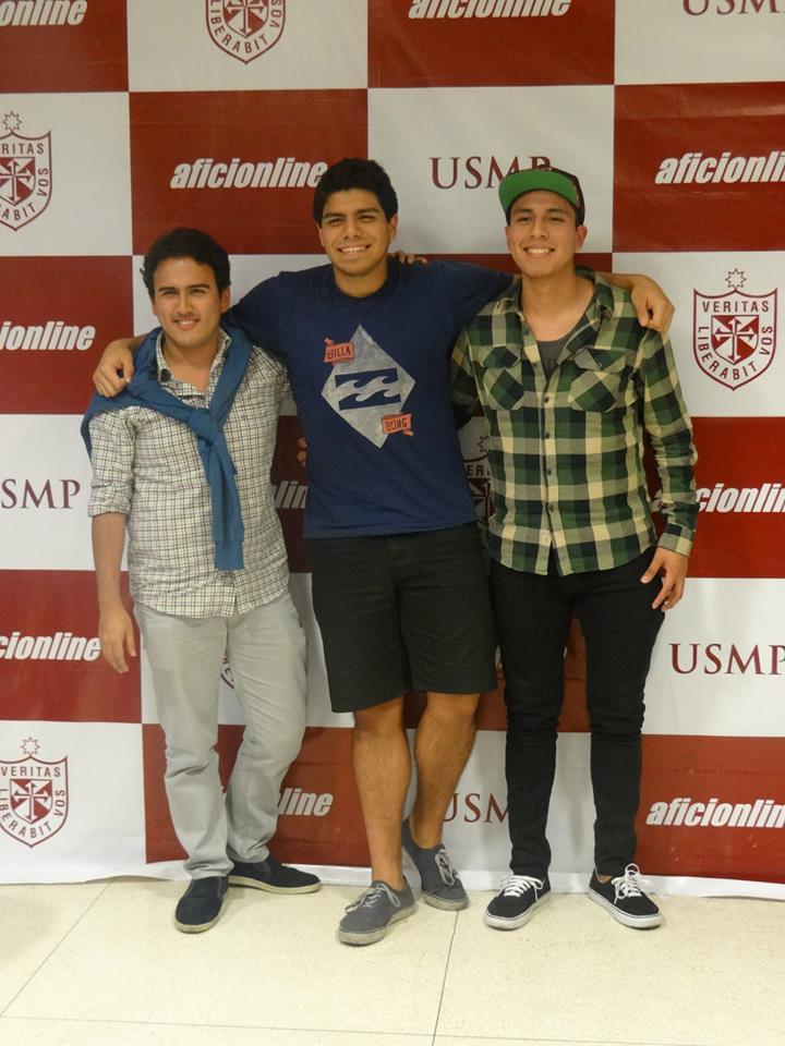 Martín Bellido (izquierda), Paolo Valdivia (centro) y Marco León (derecha) son tres exaficionados que actualmente forman parte de Peru.com.