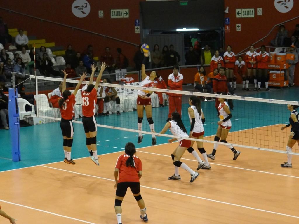 Perú venció a Egipto en el 1° partido del Mundial de Vóley Sub 18 (Fotos: Marlube Valencia / Aficionline.com).