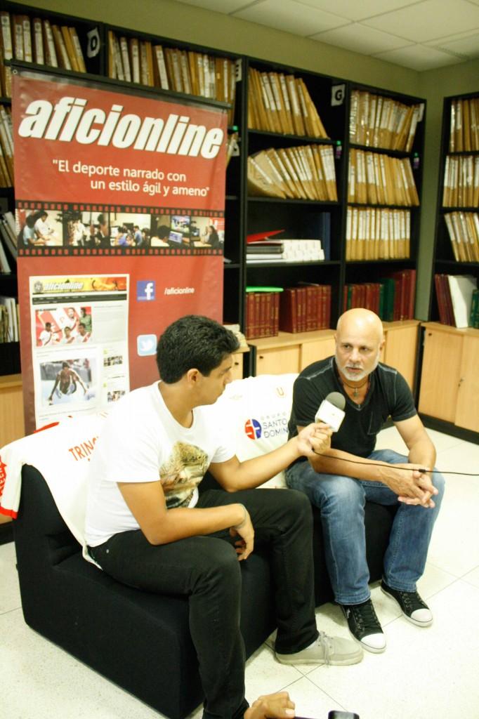 En su paso por Aficionline entrevistó a reconocidos deportistas, entre ellos a Jorge Amado Nunes, exídolo de la 'U'.