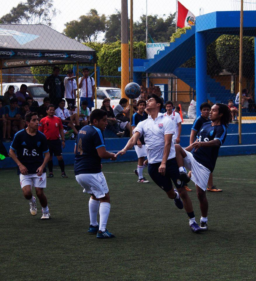 El equipo de 'Chivas Regal II se coronó campeón ´de fútbol en la Semana de Integración 2015 USMP. (Fotos: César Cusirramos / Aficionline.com)