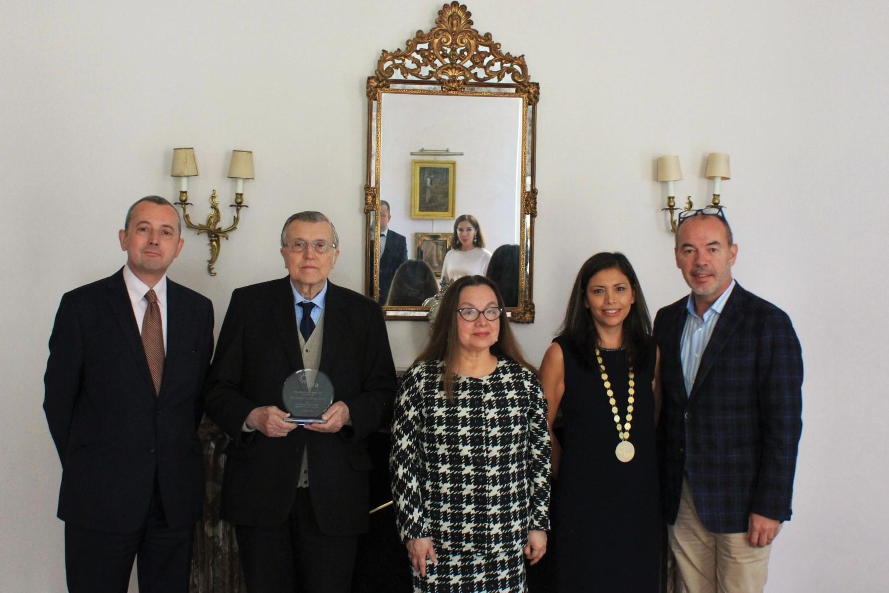 DR. LEURIDAN - EMBAJADORA DE BELGICA - BOARD IPRA