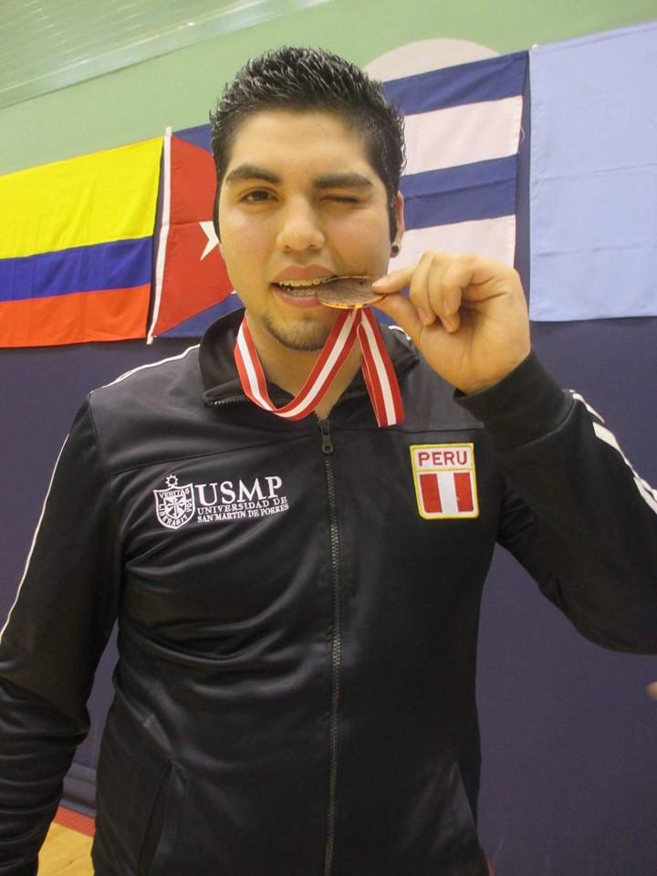 Sergio Barboza integró la selección nacional de parabádminton y fue un entusiasta estudiante en la Escuela de Ciencias de la Comunicación de la Universidad de San Martín de Porres.